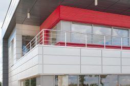 zbliżenie na część biurową - hala magazynowa z budynkiem biurowym, dla Tech-Met, Kolonia Sokolniki