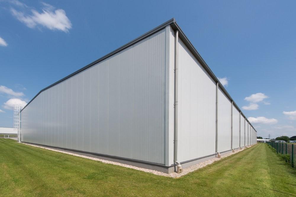 ściana tylna i boczna - hala produkcyjna z budynkiem biurowym, dla Irmark, Warszawa, woj. mazowieckie