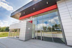 część biurowa budynku - hala magazynowa z budynkiem biurowym, dla Tech-Met, Kolonia Sokolniki