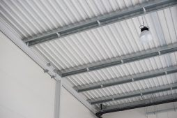 fragment konstrukcji dachu - hala produkcyjna z częścią biurową, dla Protech, woj. śląskie