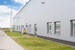 zbliżenie na część biurową - hala produkcyjna, dla Wiefferink, Wykroty, woj. dolnośląskie