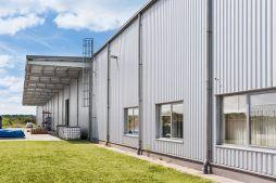 zadaszenie zewnętrzne - hala produkcyjna, dla Wiefferink, Wykroty, woj. dolnośląskie