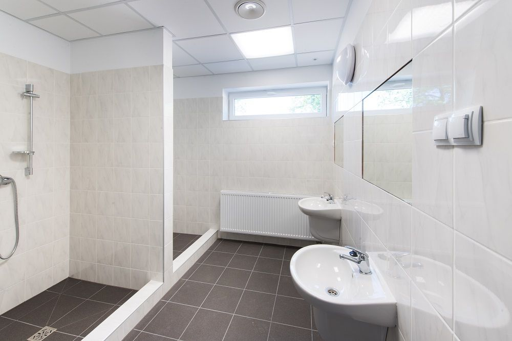 pomieszczenie sanitarne - hala produkcyjna z częścią biurową, dla Protech, woj. śląskie