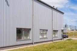 okna części biurowej - hala produkcyjna, dla Wiefferink, Wykroty, woj. dolnośląskie