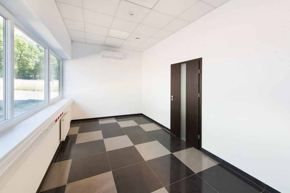 wnętrze części biurowej - hala produkcyjna z częścią biurową, dla Protech, woj. śląskie