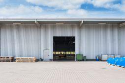 brama segmentowa - hala produkcyjna, dla Wiefferink, Wykroty, woj. dolnośląskie
