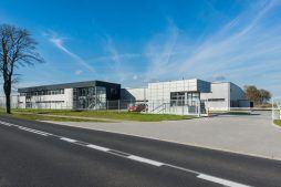 widok ogólny 1 - hala produkcyjno-magazynowa z budynkiem biurowym, dla Duomat, Choszczno, woj. zachodniopomorskie