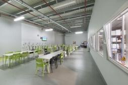 pomieszczenie socjalne 2 - hala magazynowa z budynkiem biurowym, dla Sun Garden Poland, Malanów