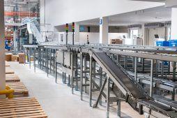 fragment linii produkcyjnej - hala magazynowa z budynkiem biurowym, dla Hurtap SA, Głogów