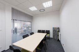 sala konferencyjna - hala produkcyjna z budynkiem biurowym, dla Irmark, Warszawa, woj. mazowieckie