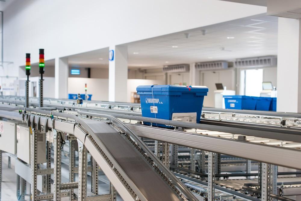 fragment linii produkcyjnej 1 - hala magazynowa z budynkiem biurowym, dla Hurtap SA, Głogów