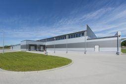 widok ogólny budynku 2 - hala produkcyjna z częścią biurową, dla Leann Stańczyk, Słupsk, woj. pomorskie