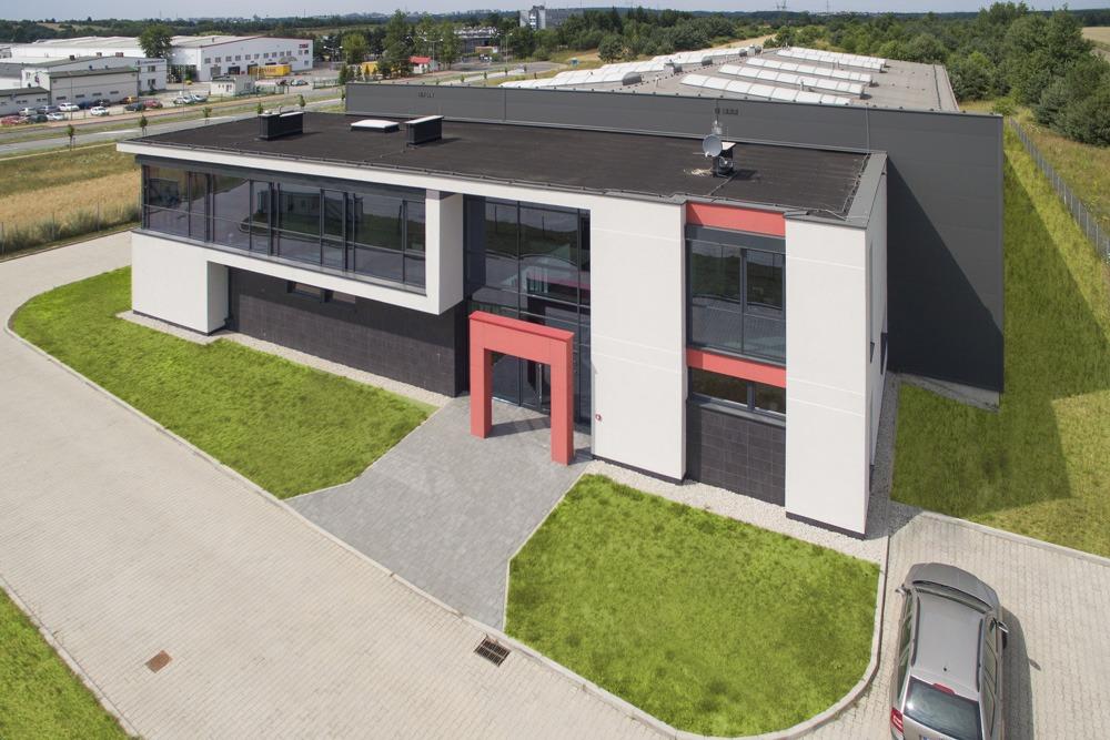 widok z góry na front budynku - hala produkcyjna, dla Ferrum-Profil System, Częstochowa, woj. śląskie
