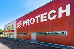 zbliżenie na logo - hala produkcyjna z częścią biurową, dla Protech, woj. śląskie