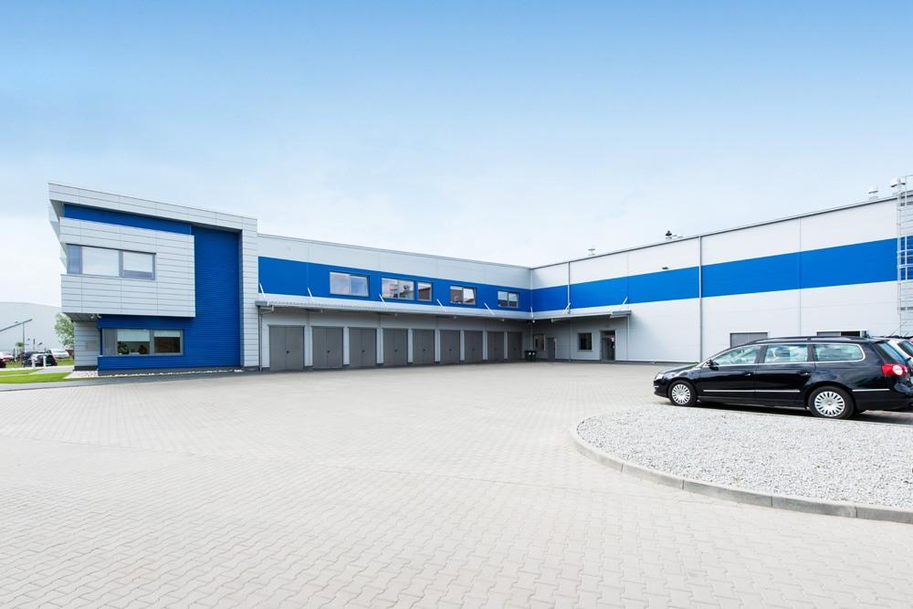 elewacja z dostępem technicznym 1 - hala magazynowa z budynkiem biurowym, dla Hurtap SA, Głogów