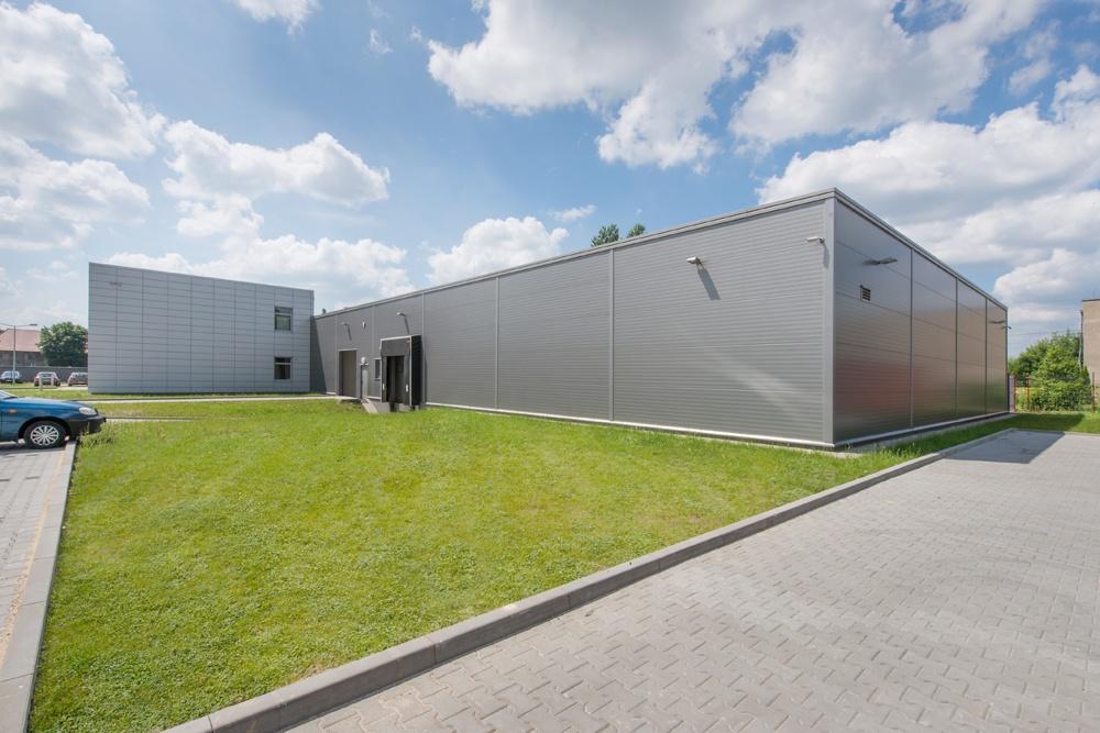 hala stalowa - hala produkcyjno-magazynowa z budynkiem biurowym, dla Viva Plus, Bytom, woj. śląskie