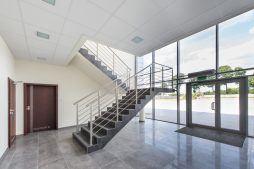 hol wejściowy - hala magazynowa z budynkiem biurowym, dla Tech-Met, Kolonia Sokolniki