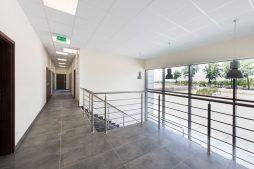 klatka schodowa 1 - hala magazynowa z budynkiem biurowym, dla Tech-Met, Kolonia Sokolniki