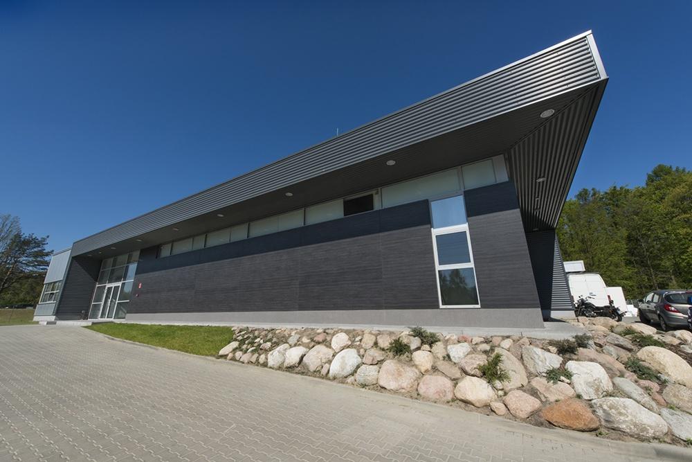 elewacja częśći biurowej - hala produkcyjna, firma Van Den Block, Lublew Gdański, woj.pomorskie