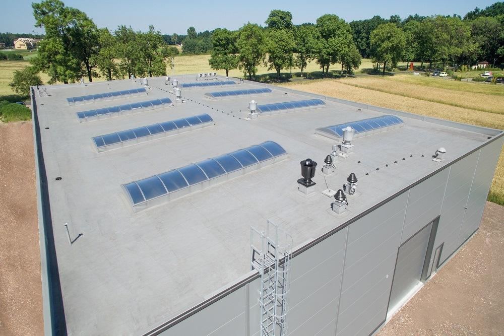 zdjęcie dachu z góry - hala produkcyjna z częścią biurową, dla Protech, woj. śląskie