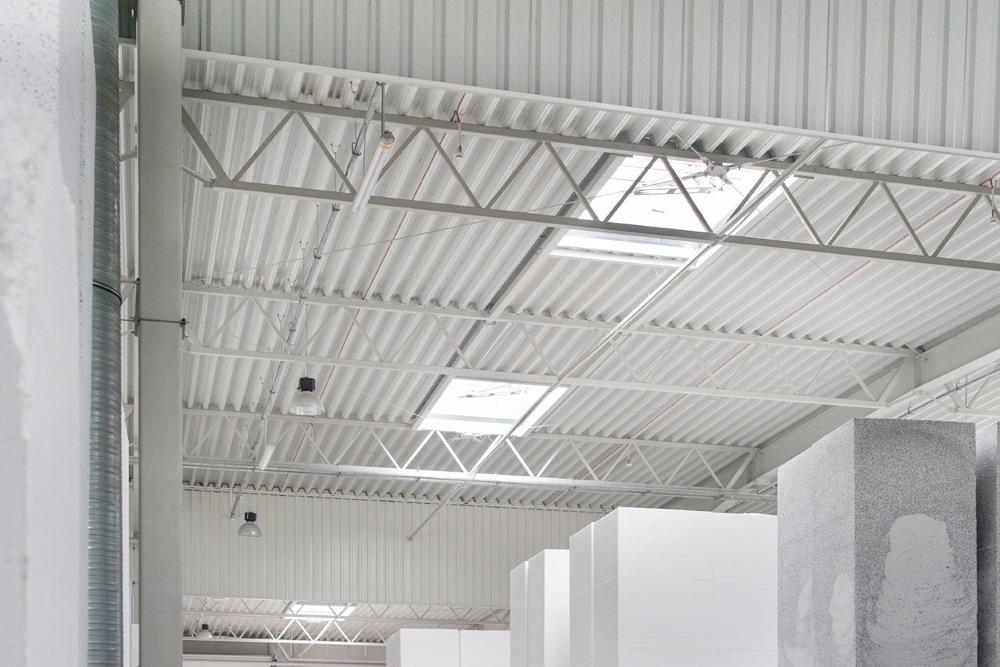 dach obiektu - hala produkcyjna z częścią biurową, dla Styropmin, Łochów, woj. mazowieckie