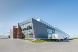 widok ogólny 1 - sortownia owoców z częścią biurową, dla Europejskie Centrum Owocowe, Rębowola