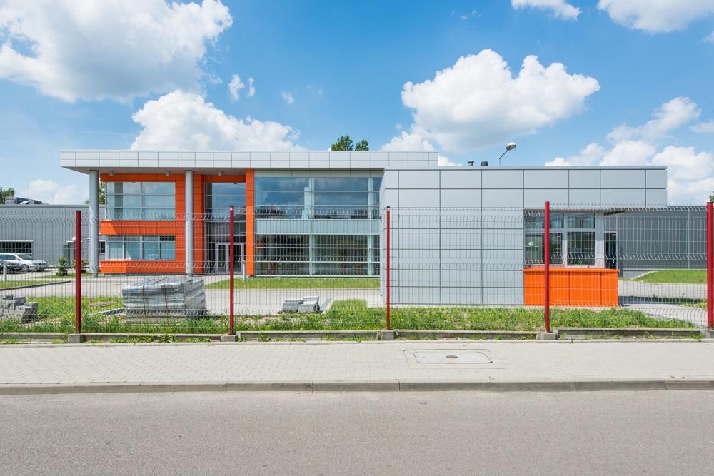 widok z przodu - hala produkcyjno-magazynowa z budynkiem biurowym, dla Viva Plus, Bytom, woj. śląskie