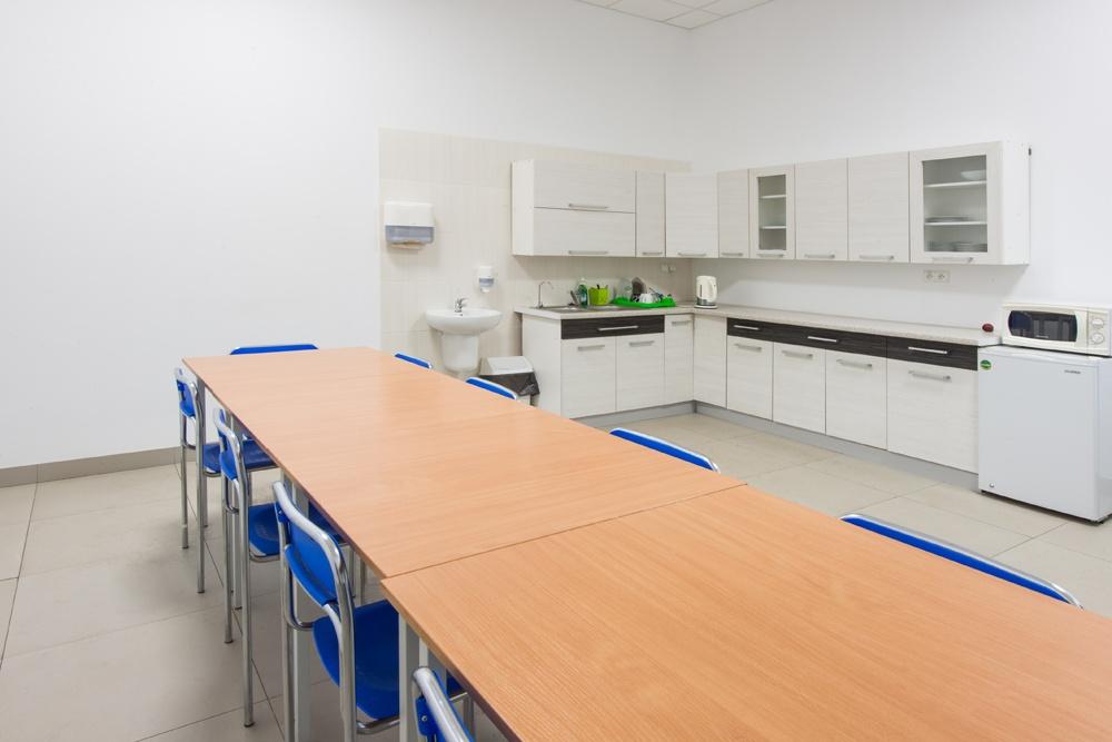 pomieszczenie socjalne - hala produkcyjna z częścią biurową, dla Styropmin, Łochów, woj. mazowieckie