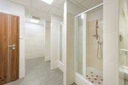 pomieszczenie sanitarne - hala produkcyjna z częścią biurową, dla Styropmin, Łochów, woj. mazowieckie
