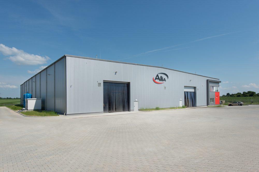 widok ogólny - hala produkcyjna z częścią biurową, dla Pritip, Puławy, woj. lubelskie