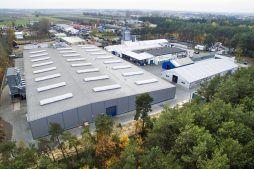 widok z góry z widocznym zagospodarowaniem terenu - hala produkcyjna, dla firmy Meblomaster, Węgrów