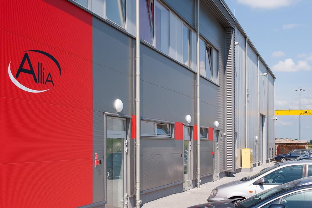 zbliżenie na część biurową - hala produkcyjna z częścią biurową, dla Pritip, Puławy, woj. lubelskie