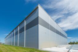 fasady projektowanego obiektu - hala magazynowa, dla Indeka, Kobylnica, woj. pomorskie