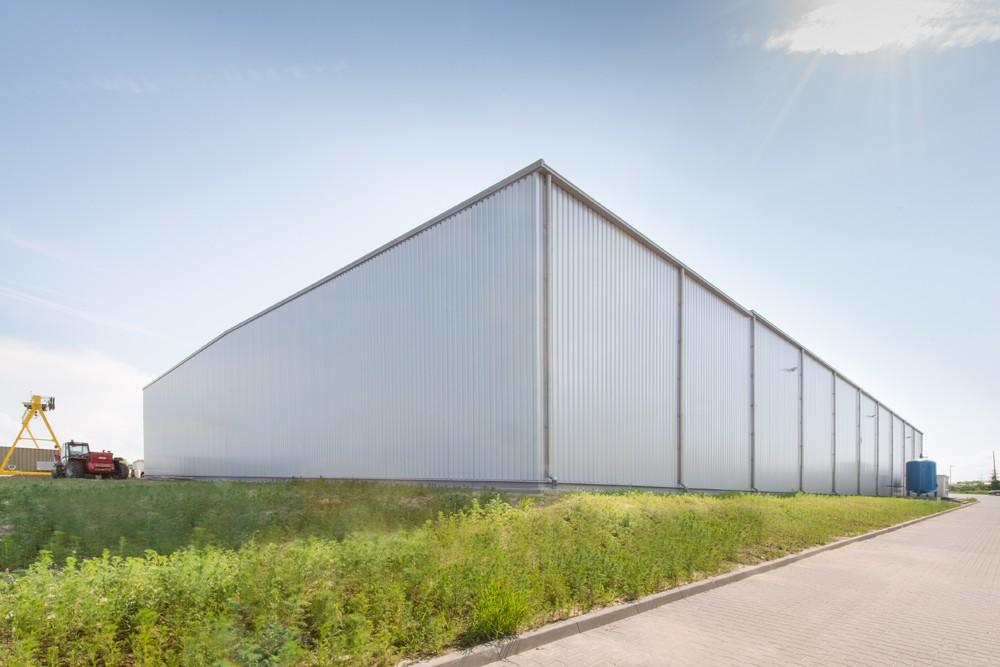 widok ogólny hali stalowej - hala produkcyjna z częścią biurową, dla Pritip, Puławy, woj. lubelskie