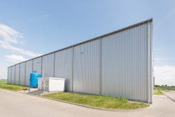 hala stalowa - hala produkcyjna z częścią biurową, dla Pritip, Puławy, woj. lubelskie