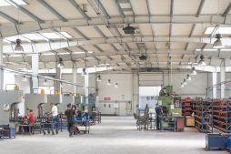 urządzenia techniczne - hala produkcyjna, dla Auto-Hak, Słupsk, woj. pomorskie