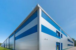 elewacja frontowa i boczna - hala produkcyjna z budynkiem biurowym, dla Meblomaster, Węgrów, woj. mazowieckie