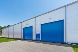 bramy wjazdowe - hala produkcyjna z budynkiem biurowym, dla Meblomaster, Węgrów, woj. mazowieckie