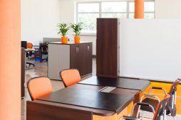 pomieszczenie biurowe - hala produkcyjno-magazynowa z budynkiem biurowym, dla Polamp, Bieniewiec, woj. mazowieckie