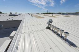 dach hali 1 - hala produkcyjna z częścią biurową, dla Leann Stańczyk, Słupsk, woj. pomorskie