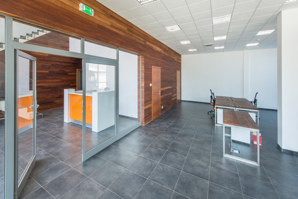 pomieszczenie biurowe - sortownia owoców z częścią biurową, dla Europejskie Centrum Owocowe, Rębowola