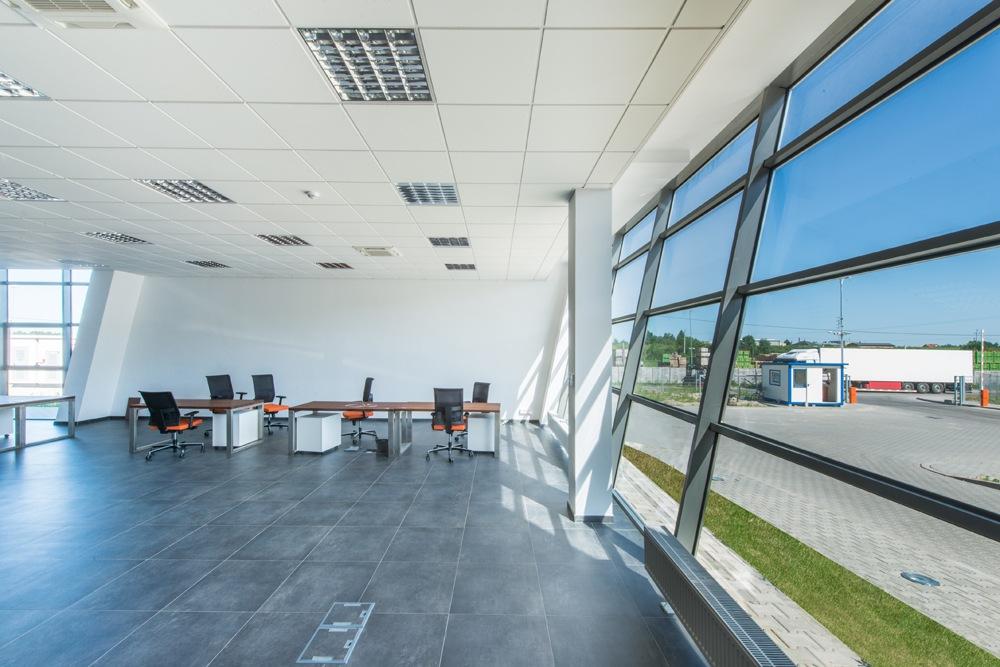 pomieszczenie biurowe 1 - sortownia owoców z częścią biurową, dla Europejskie Centrum Owocowe, Rębowola