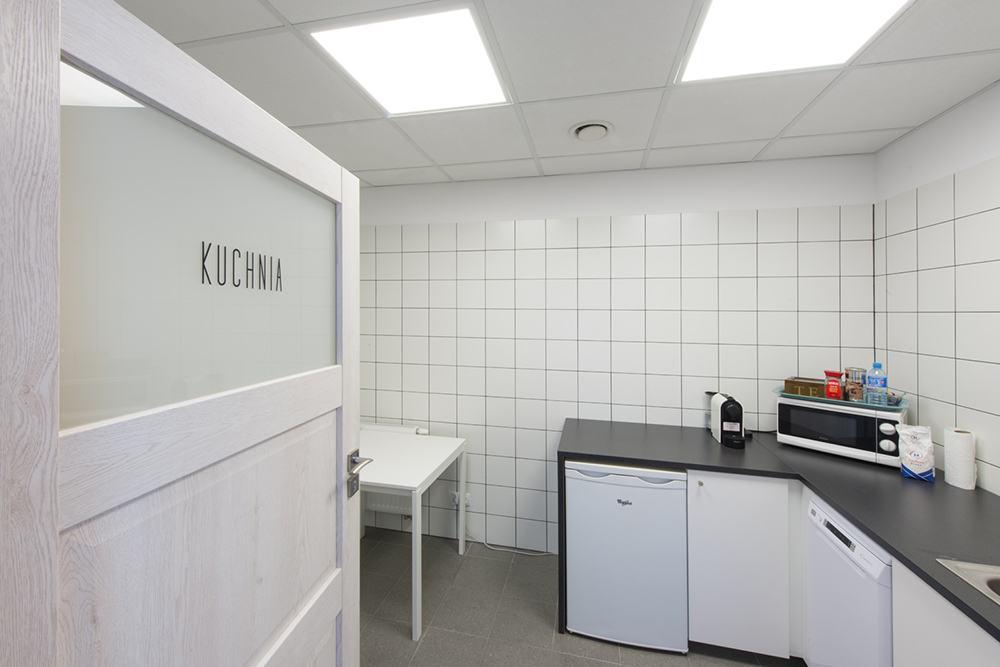 zaplecze kuchenne - budynek socjalno-biurowy, firma Van Den Block, Lublew Gdański, woj. pomorskie