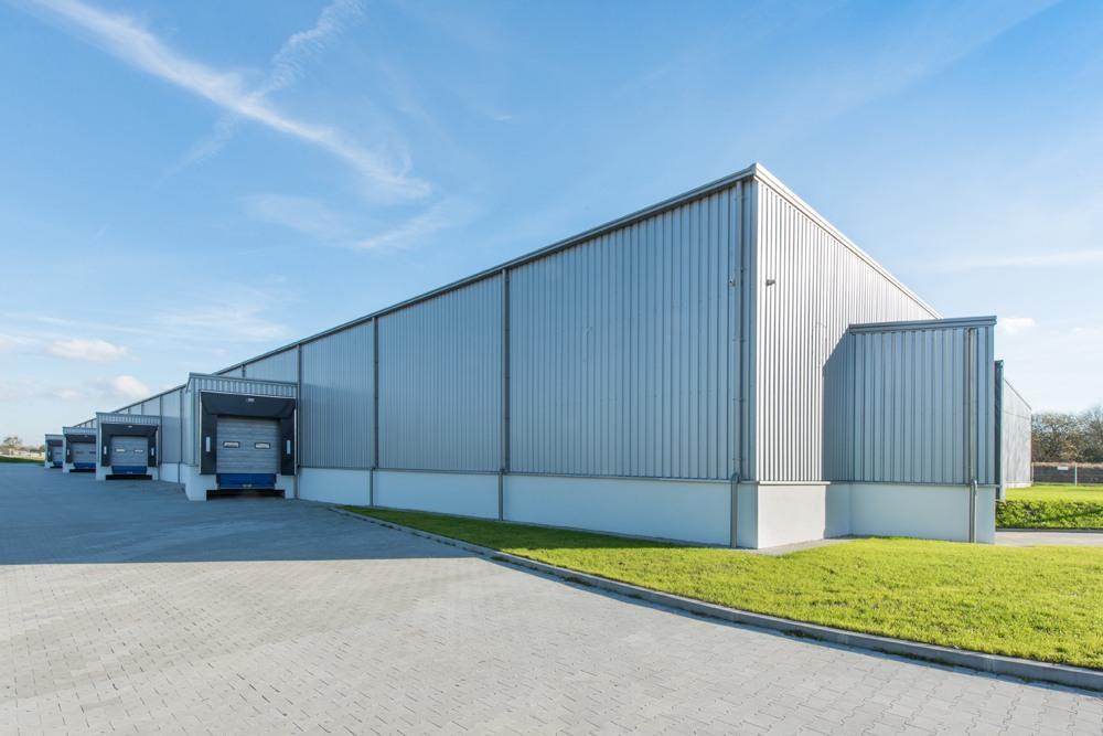 hala stalowa 1 - hala produkcyjno-magazynowa z budynkiem biurowym, dla Duomat, Choszczno, woj. zachodniopomorskie