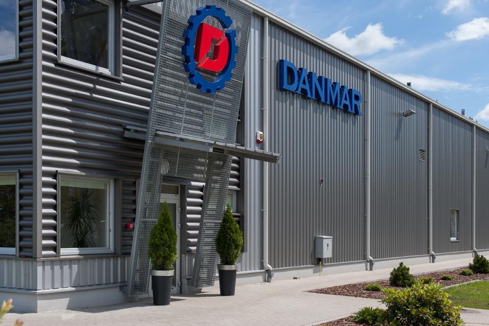fragment elewacji - hala produkcyjna z częścią socjalno-biurową, dla Danmar, Łódź, woj. łódzkie