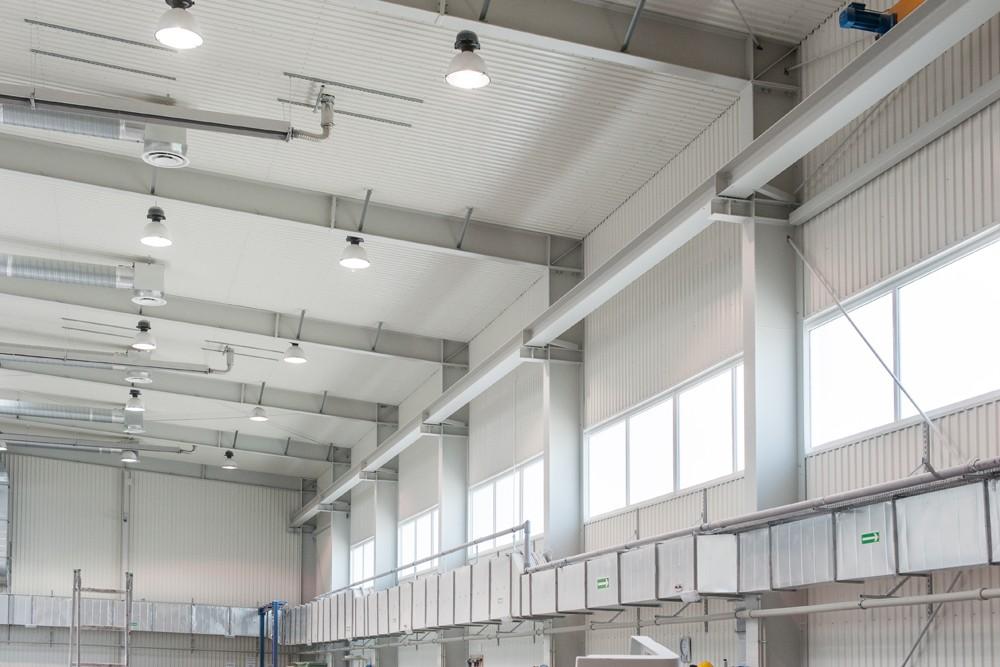 konstrukcja blachownicowa - hala produkcyjna z częścią biurową, dla Markos, Słupsk, woj. pomorskie