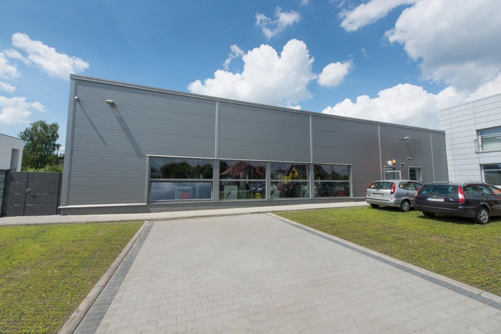 elewacja frontowa hali - hala produkcyjno-magazynowa z budynkiem biurowym, dla Viva Plus, Bytom, woj. śląskie