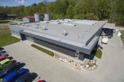 widok z góry - hala produkcyjna, firma Van Den Block, Lublew Gdański, woj.pomorskie