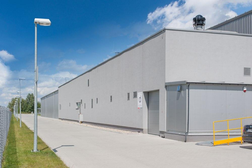 ściana boczna - hala produkcyjna z budynkiem biurowym, dla Uniservice, Skarbimierz, woj. Opolskie