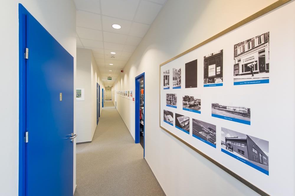 korytarz - hala handlowa, dla Koopman International, Komorniki, woj. wielkopolskie